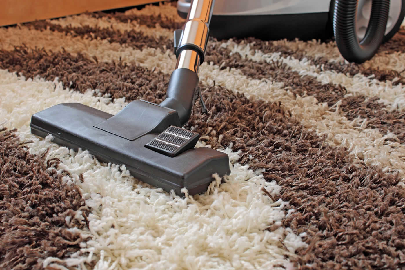 How to clean carpets of hair